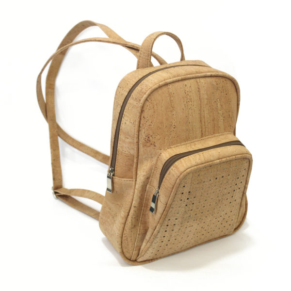 Rucksack «Simply» aus Kork von Artelusa. 2 Fächer mit Reissverschluss Robust Handgefertigt in Portugal Vegan zertifiziert von der PETA-Organisation Hergestellt aus nachhaltigem Kork-Material