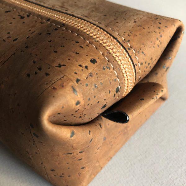 Kosmetiketui «Rectangle» braun aus Kork